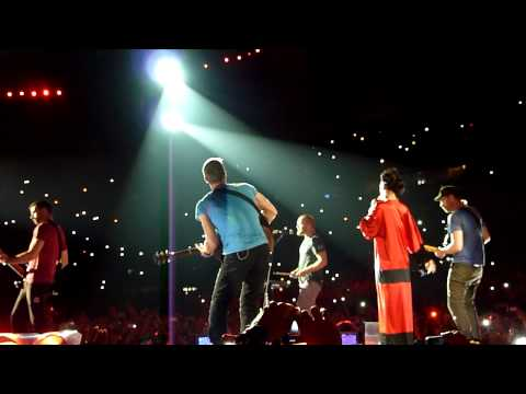 Coldplay ft. Rihanna Live Princess Of China @ Paris Stade de France (02/09/2012) Travel Video