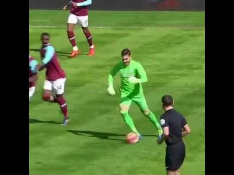 West Ham goalkeeper Adrian scores a magnificient solo run goal!