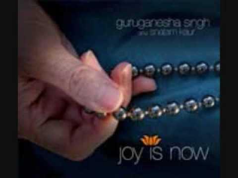 Mantra Music: Hari Om by GuruGanesha Singh featuring Snatam Kaur