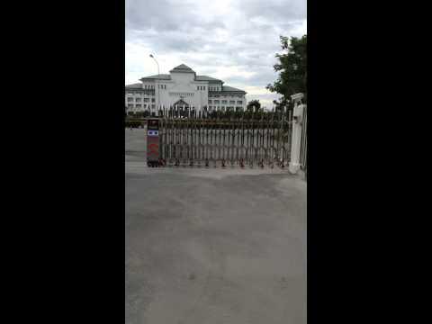 ประตูเลื่อนพับแบบอัตโนมัติ มหาวิทยาลัยราชภัฎธนบุรี สมุทรปราการ