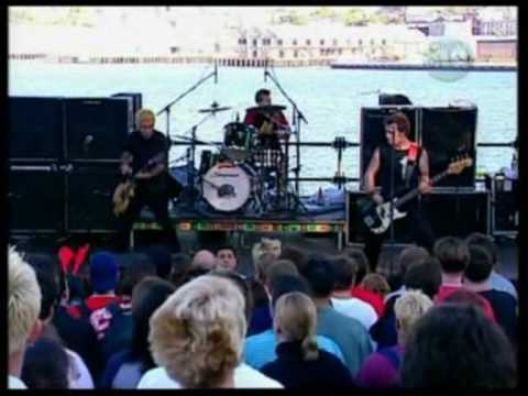 Green Day - Waiting Live @ Goat Island
