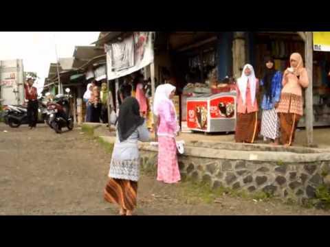 Sanggar Iinspirasi Budaya Gelar Teater Jalan Turut Memperingati Hari Ibu Kita Kartini