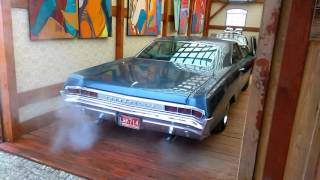 1965 Pontiac Bonneville idling 2