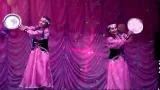 Башкорт кызлар биюе / Башкирский танец(Автор видео - Фанис Назипов http://www.fanis-nazipov.ru., 2013-12-18T10:33:35.000Z)