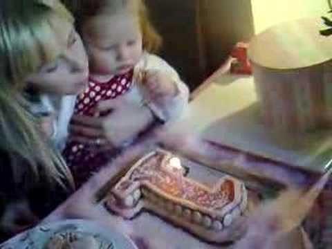 DAISY'S 1ST BIRTHDAY PARTY - CANDLES