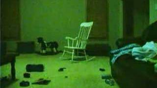 Страшное видео(Желательно смотреть поближе к экрану и со звуком., 2008-02-08T12:09:20.000Z)
