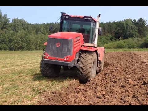 KIrovets K-744 And Kuhn Manager 8C