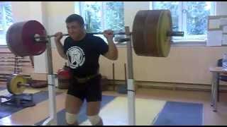 Приседания без рук 250 кг.250kg squat with no hands