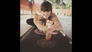 Aula de Yoga com a Freddie 33 Minutos