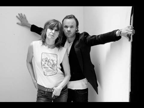 """JP, CHRISSIE HYNDE AND THE FAIRGROUND BOYS """"Christmas Soon"""" (HD) Official Video"""