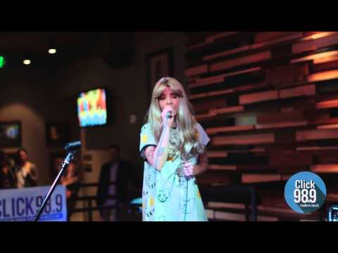 Click 98.9 Acoustic Lounge: Melanie Martinez - She's Got You (Patsy Cline)
