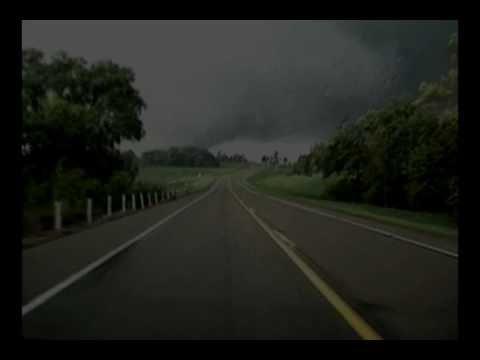 Monster Tornado near Mankato, MN / Aug. 24 2006