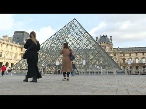 Paris: le tourisme, victime du coronavirus