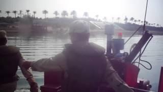 فيديو حصرى لمعدية الجيش الى قناة السويس الجديدة والطابور العسكرى عليها