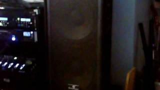 DJ BRICKS mixing Electro
