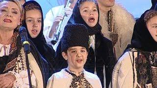 Cântec din suflet de român, în Ajun de Crăciun la Tezaur folcloric