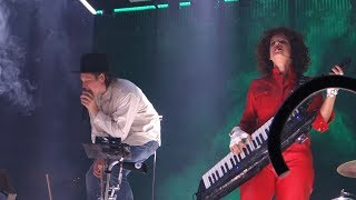 Arcade Fire - Put Your Money on Me – Live in Oakland