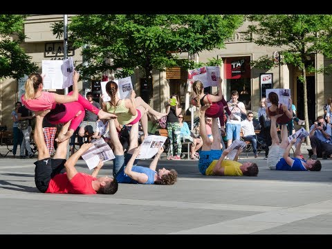 AcroYoga flash mob Brno 2017