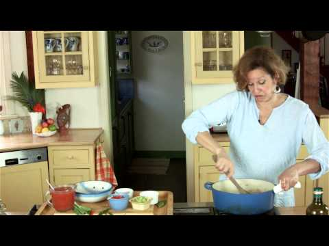 Charmaine Lord shows how to make  spicy turkey chili.