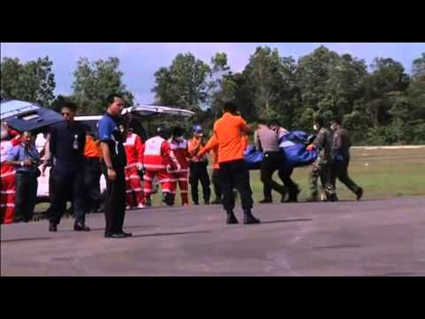 6042 INDONESIA-AIRPLANE-BODIES-SEARCH