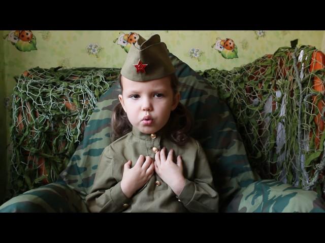 Изображение предпросмотра прочтения – МаргаритаУшакова читает произведение «Баллада о Матери» А.Д.Дементьевa