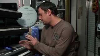 видео синтезатор или цифровое пианино