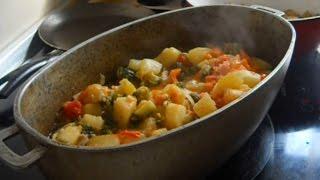 овощное рагу из баклажанов кабачков перца помидоров моркови и картошки