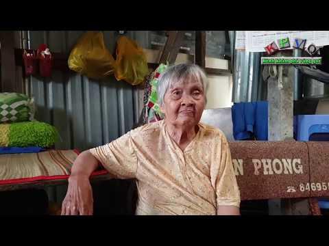 Nghẹn lòng nghe bà cụ 87 tuổi nhặt ve chai mơ ước được ăn chiếc bánh trung thu