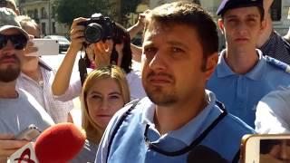 Jandarmi cu pistoale au spart petrecerea de la Primăria București - Curaj.TV