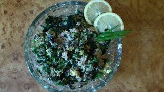 Салат с крапивой и грецкими орехами