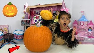 Sally Magical Mystery Pumpkin Surprise Party Toys for Kids