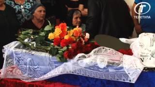 Погибшего солдата Андрея Леонова провожали в последний путь всем поселком