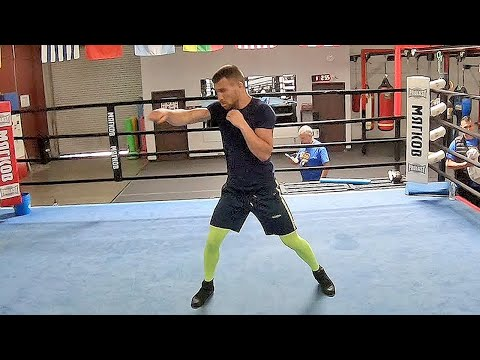 VASYL LOMACHENKO DISPLAYS MASTERFUL SHADOW BOXING AS HE GLIDES IN THE RING