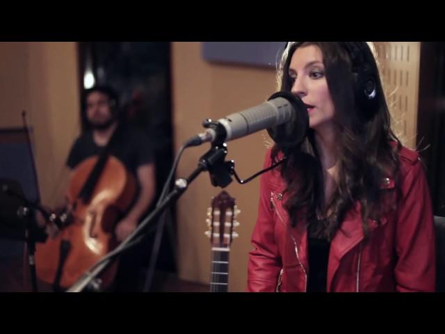 """Sara Ráez estrena en vídeo su nuevo tema """"Si el mundo mira"""" grabado en directo"""