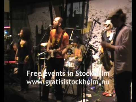 Ashley Thomas -The Same Love That Made Me Laugh, Live at Lilla Hotellbaren, Stockholm 1(7)