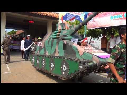 Karnaval Peringatan Hari Pahlawan SMK Bina Utama Kendal (Part 1)