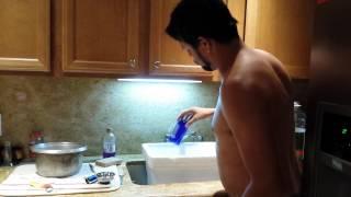 Glass cutting naked.3gp