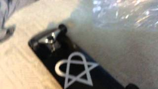 Heartagram Skateboard UNBOXING! (BDAY PRESENT!)