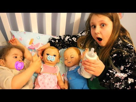 Kids Pretend Play Taking Care of 3 Babies feeding and night time routine video