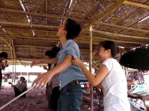 "Offline He 2010 - NguyenDuyHieu.Com - Tro ""Xe Chi Luon Kim"""