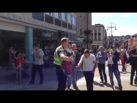 Leeds Singing Policeman