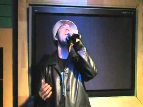 Cristian Castro  canta en vivo en un karaoke lo pasado,pasado
