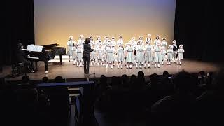 童謡メドレー(子鹿のバンビ・背くらべ・海・七つの子・森の小人・みかんの花咲く丘)児童合唱