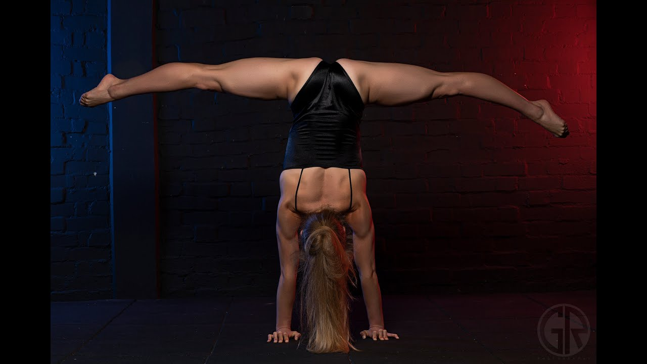 Contortion Splits, Extreme back bends and Contortion Handstands
