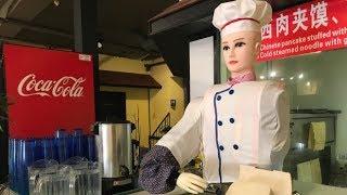 Robot chef preps noodles at Saskatoon restaurant