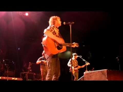 """Dierks Bentley in Kansas City """"Fiddlin' Around"""" 10/29/10"""