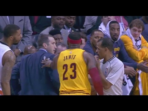 LeBron James pushes coach David Blatt while arguing foul call: Cleveland Cavaliers at Phoenix Suns