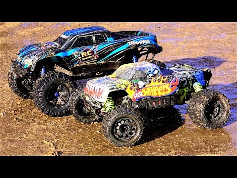 RC ADVENTURES  TRAXXAS XMAXX vs HPi SAVAGE FLUX XL HOT WHEELS 4x4 Monster Truck Madness
