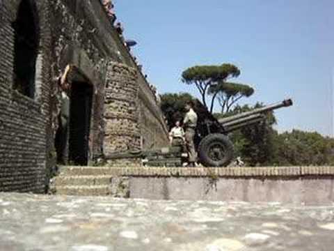 Rome S Janiculum Hill Cannon Cannone Del Gianicolo