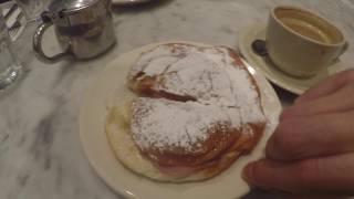 Old San Juan. Eating Mallorca